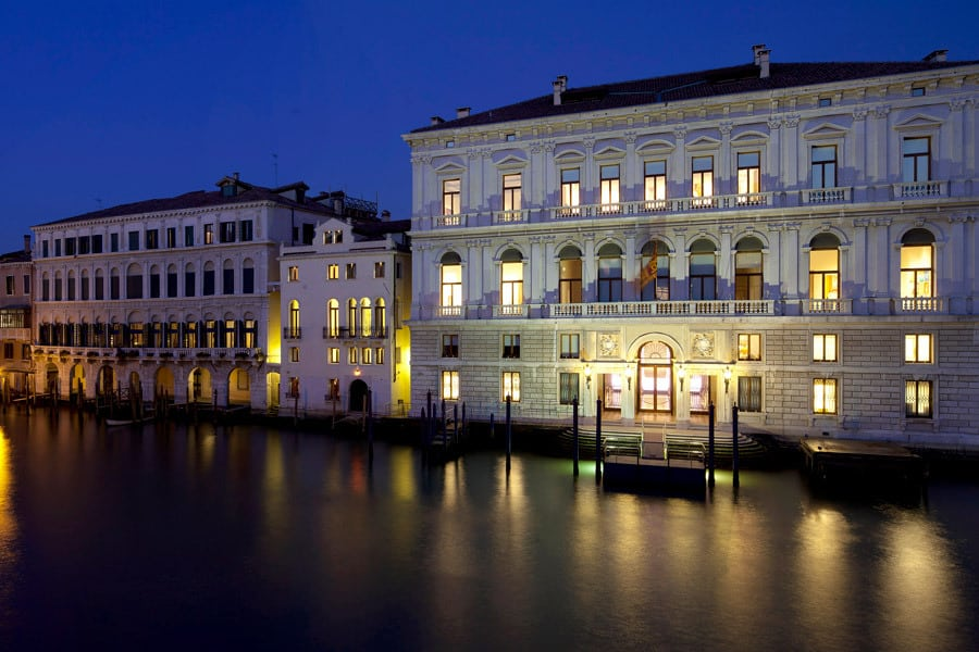 Palazzo Grassi night